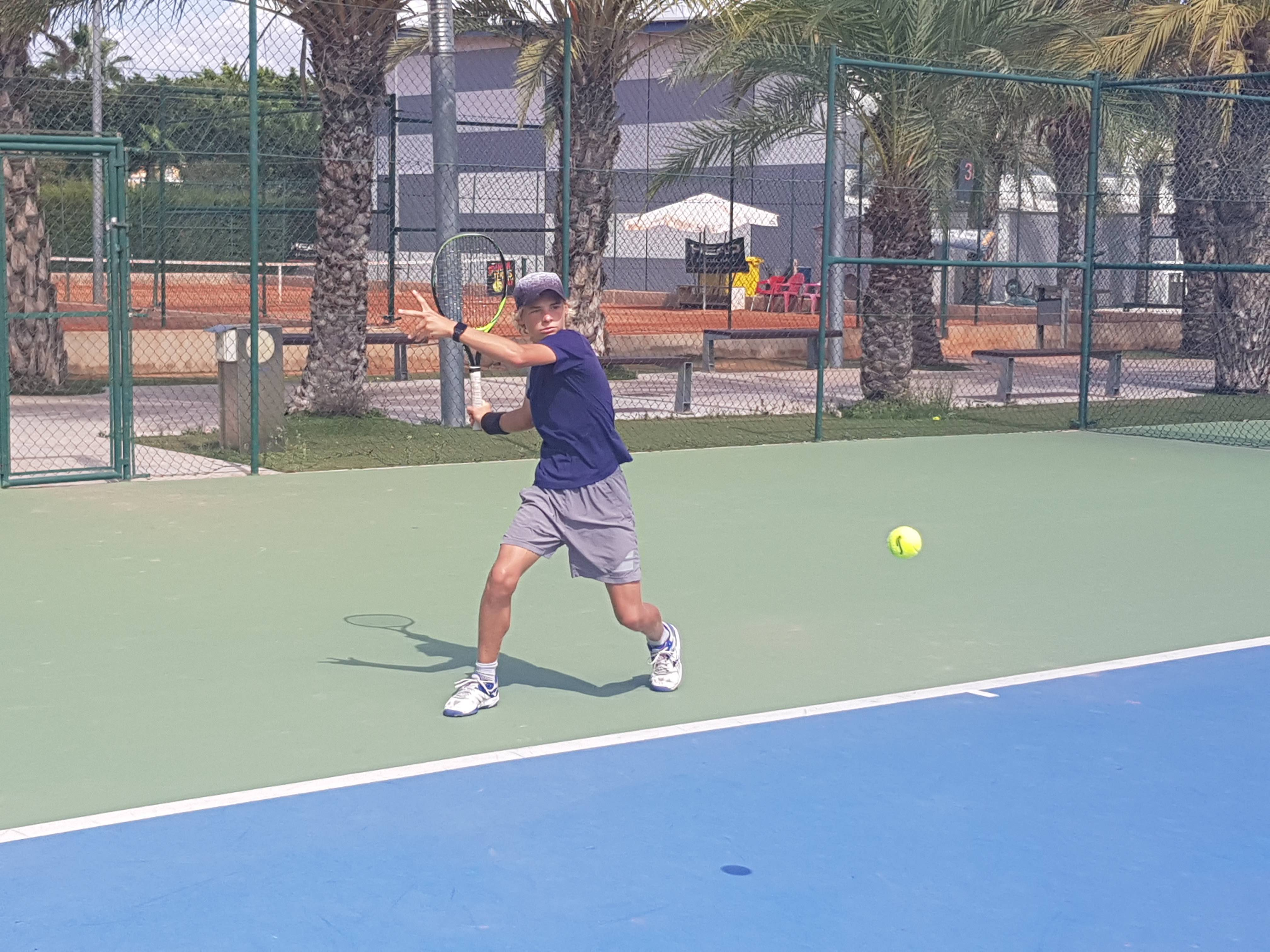 tennis_MIMove